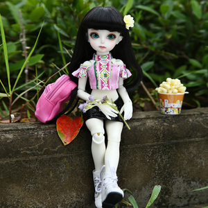 Image 4 - BJD Dolls Momocolor Emily 29cm 1/6 Adorable Cutie High Quality Resin Figure Girl Toys Best Birthday Gifts