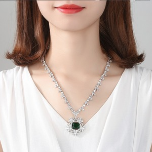 Image 2 - LUOTEEMI New Big Flower Pendant Necklace for Women for Wedding Party Luxury CZ Jewelry Red and Green Collar Mujer Christmas Gift