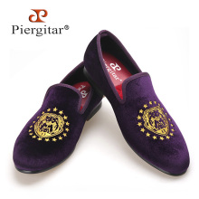 Piergitar 2017 new arrival men purple color velvet shoes with delicate embroidery Party and Prom men dress shoes men's loafers