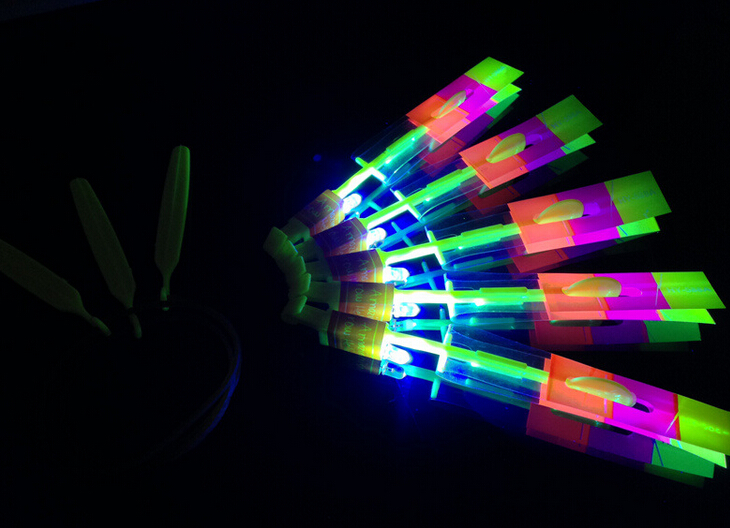 500PCS Novelty Children Toys Amazing LED Flying Arrow Helicopter For Sports Funny Slingshot Birthday Party Supplies Kids Gift