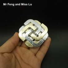 Four Leaf Clover Lock Cast Metal Ring Puzzle 3D Recreational Mind Game Kid Toy