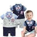 Baby boy ползунки летом плед младенческой джентльмен галстук-бабочка ползунки малыш знак комбинезоны bebe ползунки ребенка костюм одежда