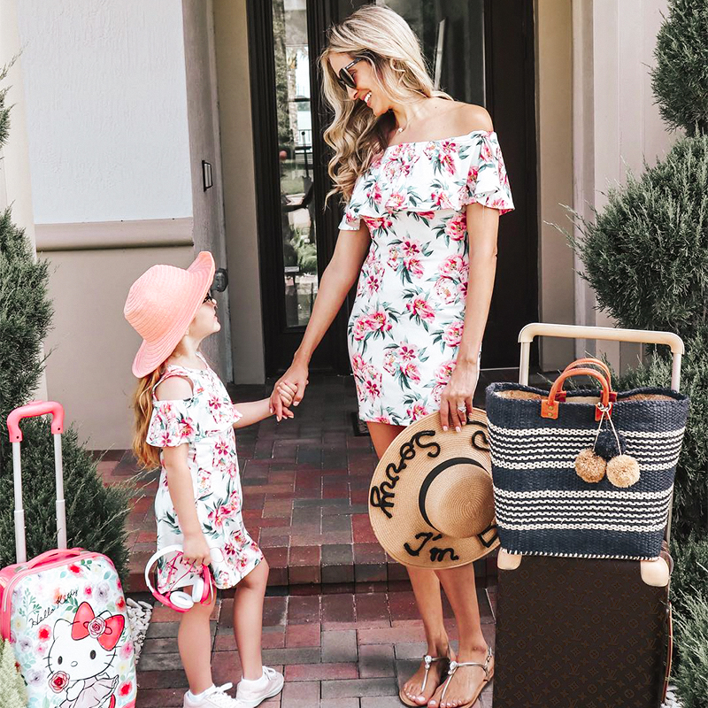 Household Look Style Summer season Clothes For Mom Daughter Floral Children Ladies Gown Household Matching Mommy And Me Garments Outfits