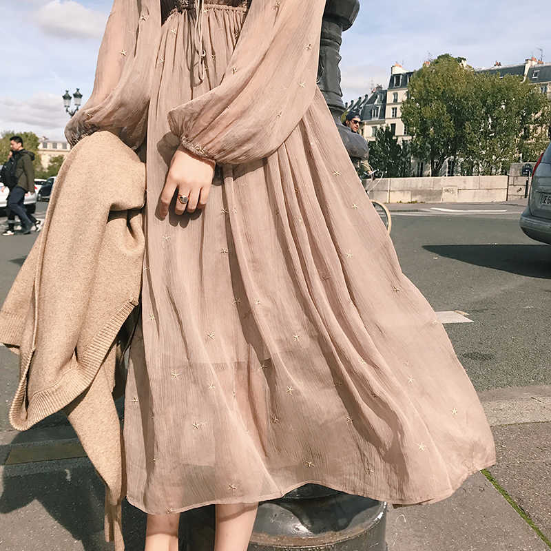 高品質韓国春女性スリム快適なヴィンテージ長袖刺繍ネクタイシフォン女の子ロングaラインvネックドレス