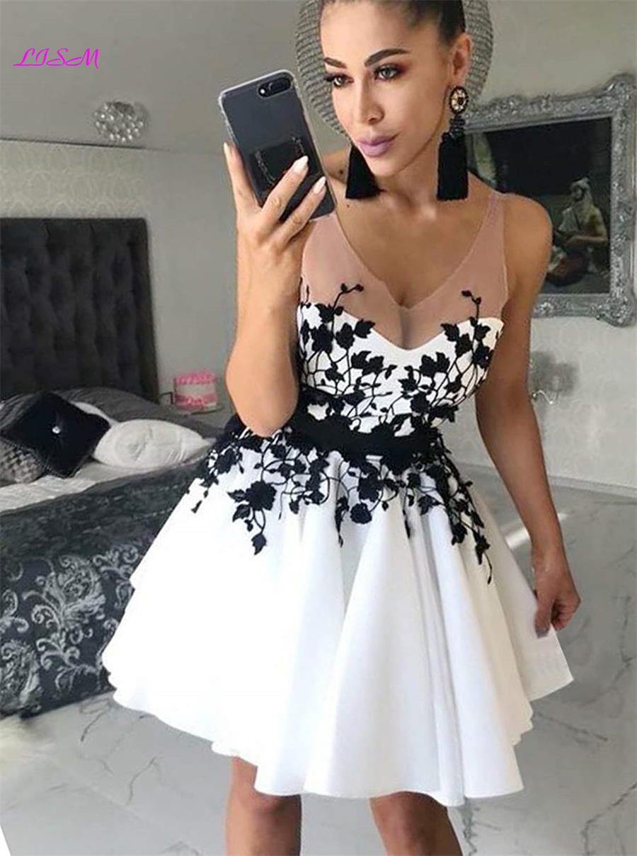 2019 Illusion Appliques Short Cocktail Dresses Mini Backless Homecoming Dress A-Line Appliques Prom Party Gowns Vestidos Coctel