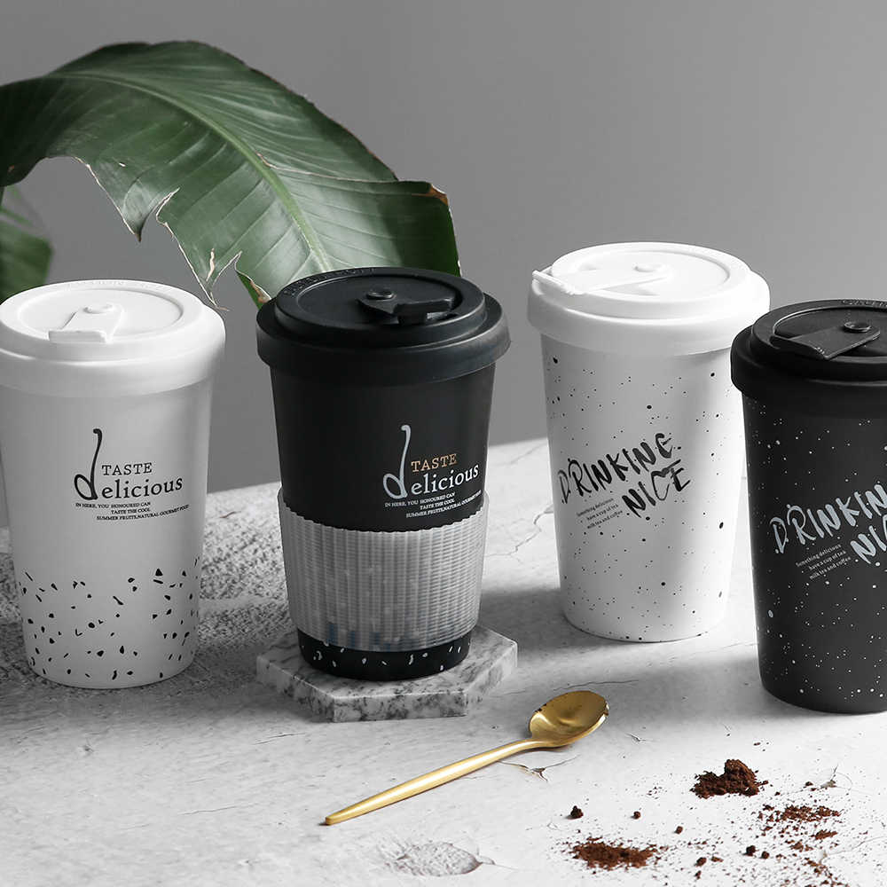 Criativo cerâmica canecas preto branco carta padrão silicone tampa leite café chá copos portáteis doméstico escritório drinkware 450 ml