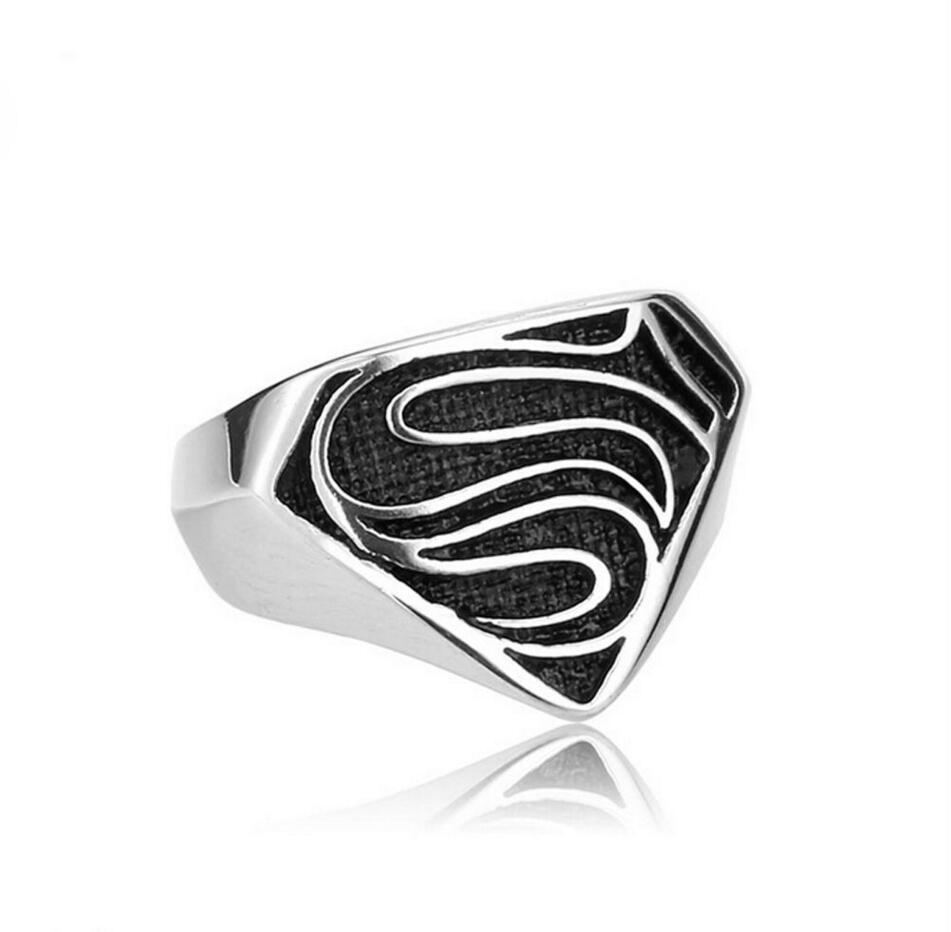 ใหม่ร้อนซูเปอร์แมนแหวนแหวนเหล็กไทเทเนียมชายและหญิงแหวนของบุคลิกภาพเดียว