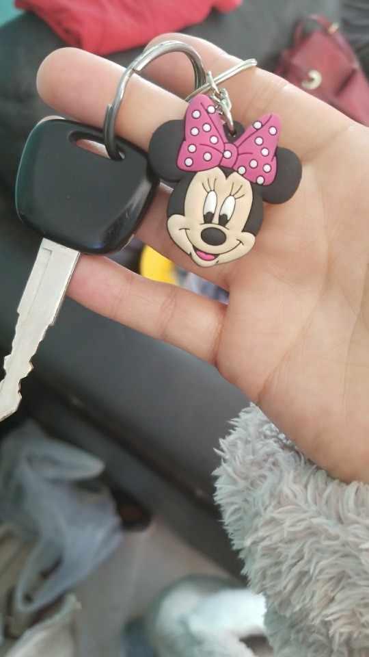 1 pcs Mickey Minnie Dos Desenhos Animados do PVC Figura Chaveiro Mini Anime Kid Anel Chave Pingente Encanto Keychain Chave Titular Moda bonito Bugiganga