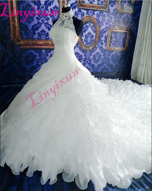 2018 White Wedding Dresses Lace Ball Gown Bridal Gowns Lace Applique Beads High Neck Sleeveless Zip Back Organza Wedding Gown