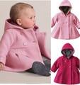 Bebés al por menor los niños encapuchados invierno de los cabritos caliente outwear la ropa de moda rosa y rojo de la chaqueta