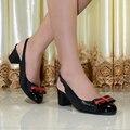 Zapatos de mujer de cuero genuino sandalias de tacón med punta redonda de las mujeres oficina de gran tamaño zapatos de las mujeres bombea los zapatos de vestido para las mujeres 0217-1