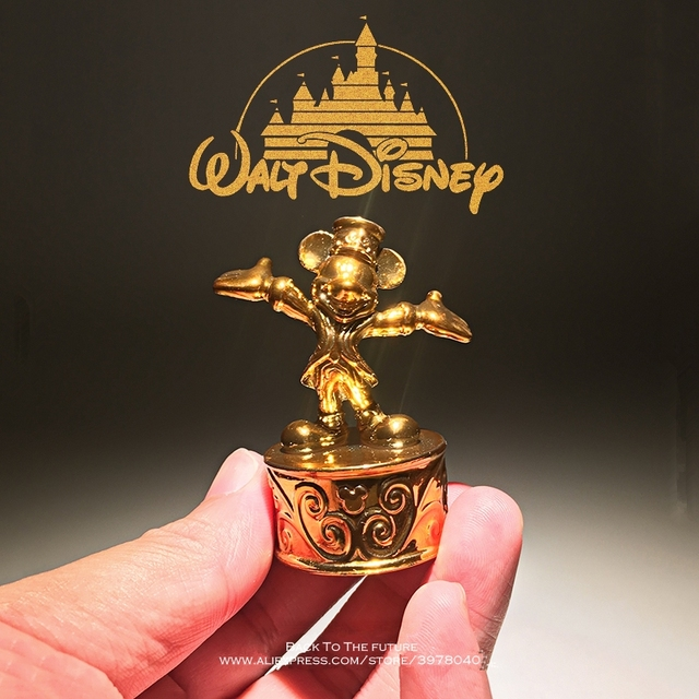 Disney Mickey Mouse gold(color) mini statue 5.5cm