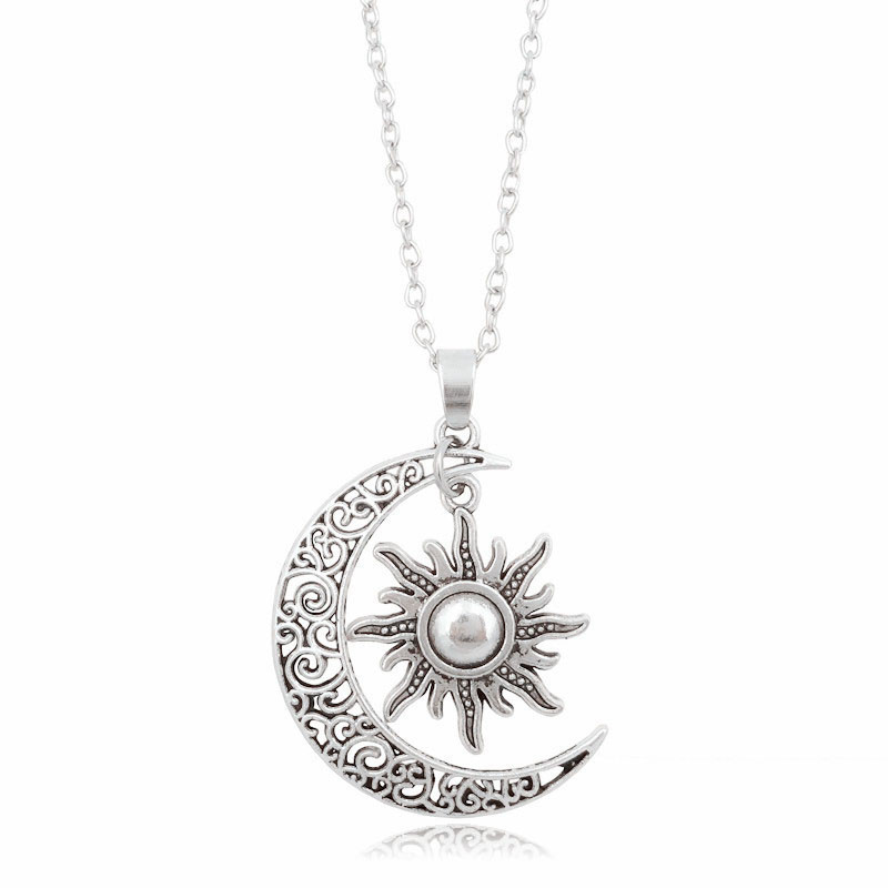 2018 New Co old Vintage Sun Moon Pendant Necklace Silver Crescent Moon Chain Necklaces for Women Fashion Jewelry best Gift