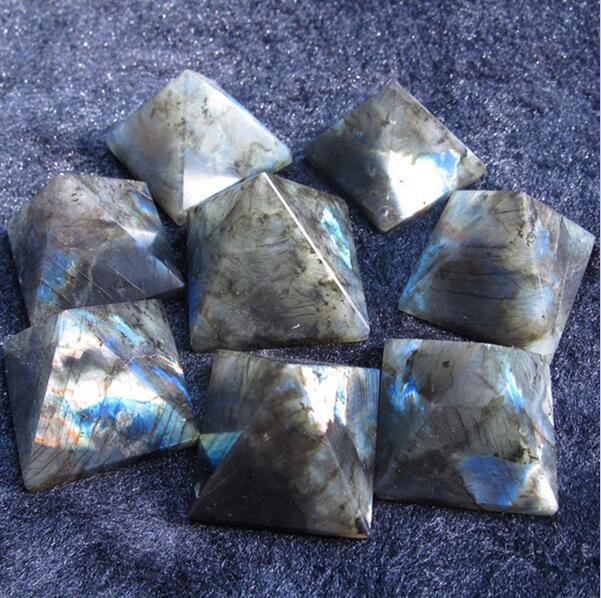 Lucky stone labradorite pyramid decoration beautiful blue moonstone nunatak decoration energy 28mm-35mm