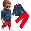 Nueva manera al por menor 2017 de los niños pajarita moda los pantalones vaqueros largos de manga larga + pantalones casuales niños ropa set 2-8Y Niño Primavera traje