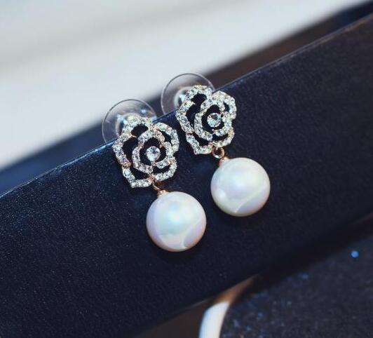 Black Crystal Camellia Flower Stud Earrings Full Rhinestones Flower  Earrings Pierce boucles d oreilles bijoux bijouterie cc-in Stud Earrings  from Jewelry ... fa4d101e291e
