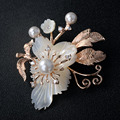 UC53724 Idade de Ouro do sexo feminino Moda Jóias de Ouro Flor Broche Broche de Flor Jóia Da Pérola Frete Grátis