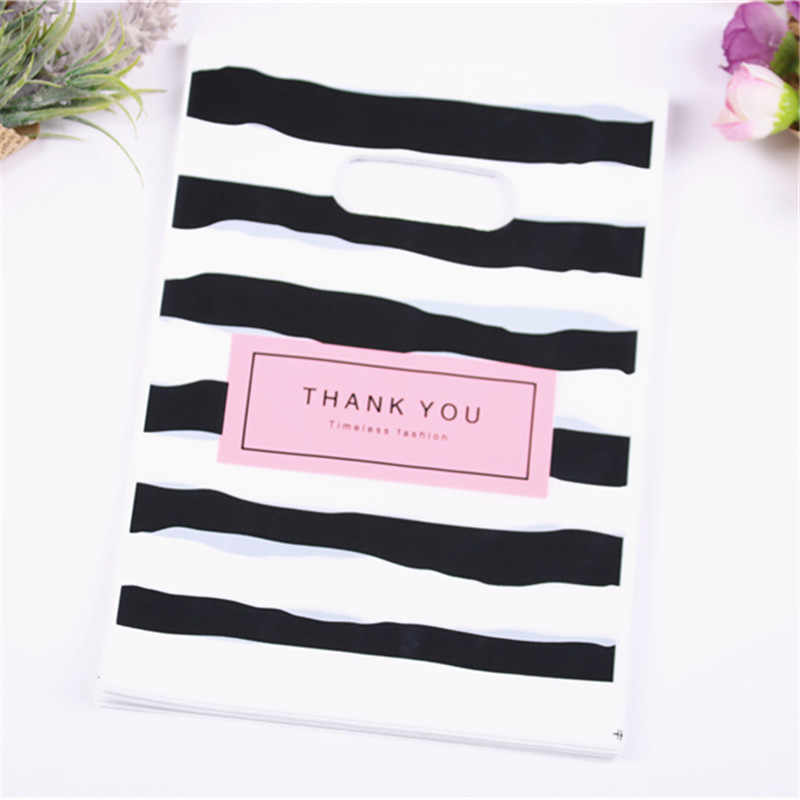 2019 New Style Wholesale 100pcs/lot 15*20cm Fashion Gift Packaging Black&white Striped Shipping Plastic Bags with Thank you