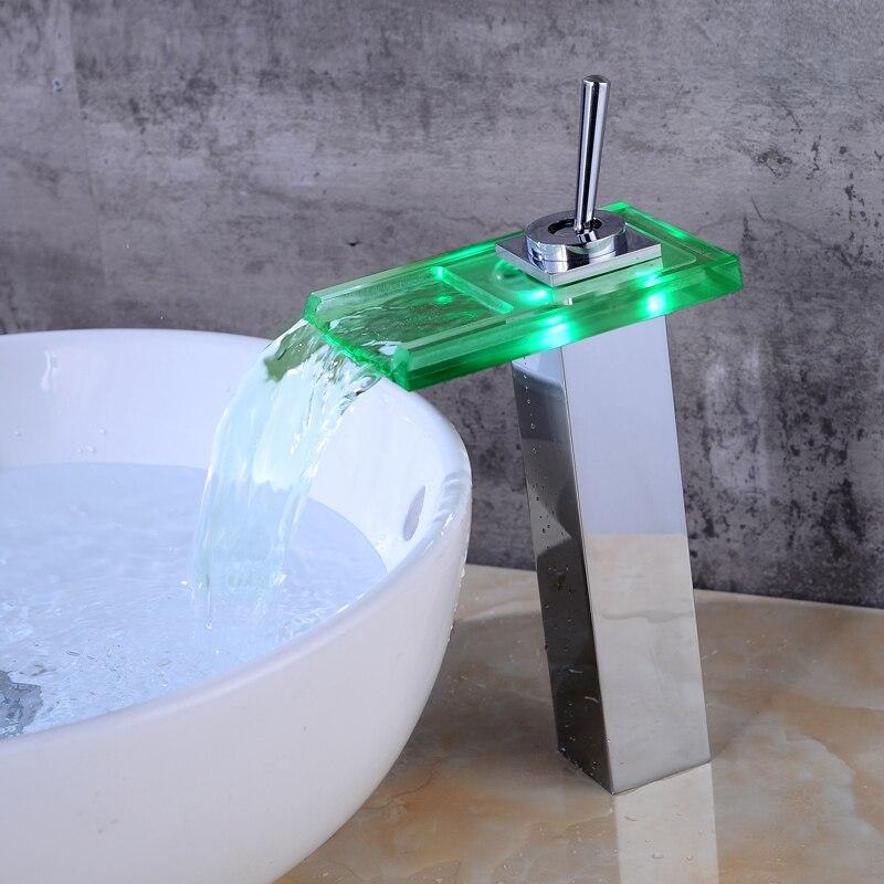 Robinet de lavabo Chrome pont contrôle de température LED salle de bain évier robinet cascade robinet lumière LED grue électrique mélangeur robinet d'eau
