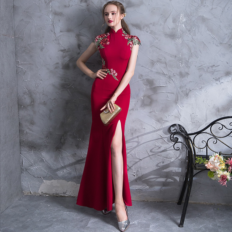 cac08545befca High Quality Embroidery Modern Cheongsam Red Sexy Qipao Long Traditional  Chinese Dress Oriental Style Dresses Vestido De China