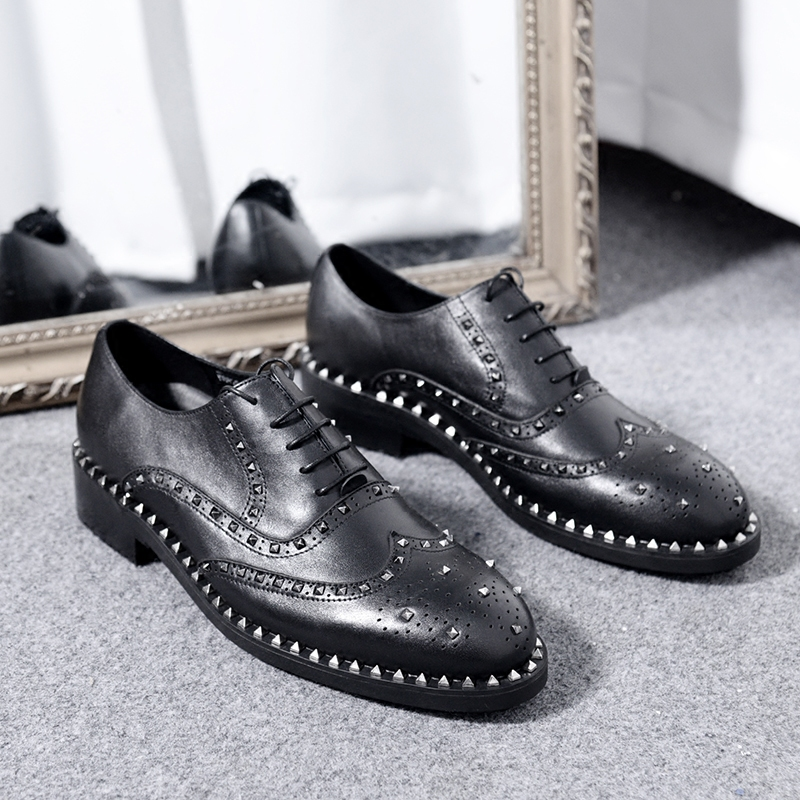 Black Bullock Carved Handmade Rivet Rough Skin High Leather Mens Leather Banquet Mens Pointed Toe Dress Shoes 100% Original Shoes