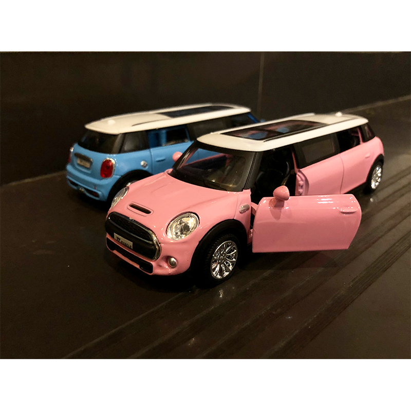 1:32 Alloy Toy Car Diecast Car MINI Mode Metal Pull Back Vehicle With Sound Light Grils Toy Car Pink Mini Model Car Kids Gift
