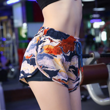 цена Women Yoga Shorts 2in1 Quickly Dry Loose Sport Shorts Running Jogger Casual Fitness Workout Athletic Shorts Active Sportswear онлайн в 2017 году