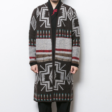 Mens autumn and winter Chinese style boutique long section national print personality windbreaker / loose V-neck cardigan coat