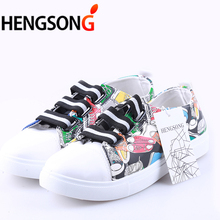 2017 Fashion Unisex Men Shoes Graffiti PU Leather Lazy Shoes White Shoes Spring Autumn Tenis Masculino Adulto Catwalk Shoes