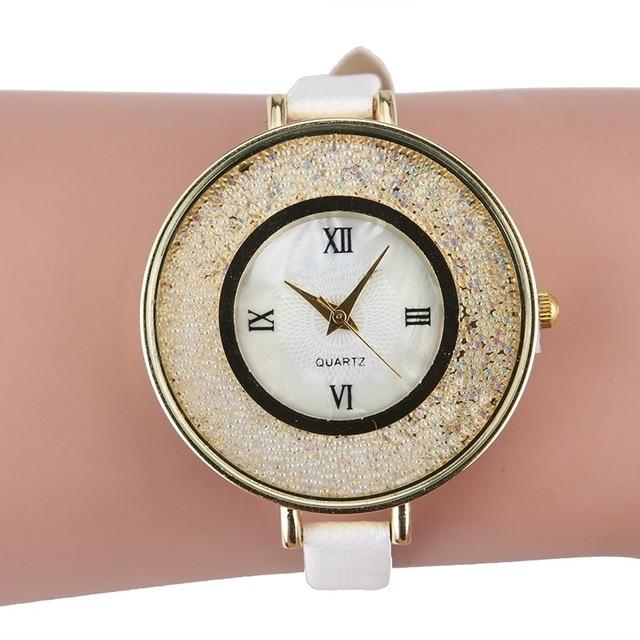 12475e5f37d NOVAS contas Mulheres Strass Relógio de Pulso Retro Vintage Feminino Relógio  de Quartzo relogio feminino dourado