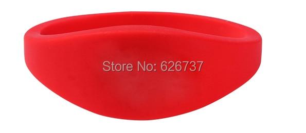 Silicone wristband-9