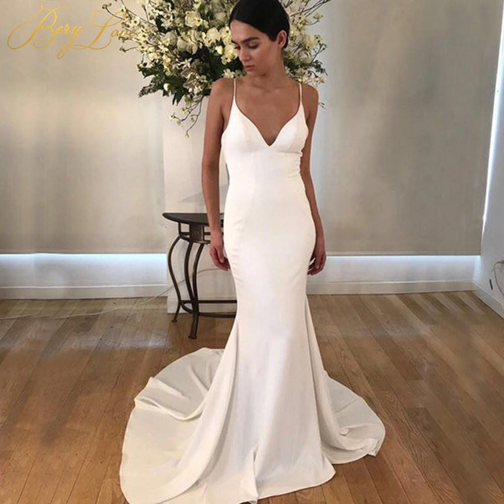 BeryLove Ivory Elegant Wedding Dress 2019 Spaghetti Straps Long Sexy Mermaid Bride Sexy Open Back Vintage Bridal Marriage Gowns