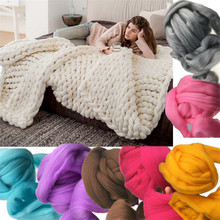 Super thick 2017 Hot Sale Fashion Soft Autumn and Winter Warm Hand Chunky Knitted Sofa Blanket Sofa Bed Blanket