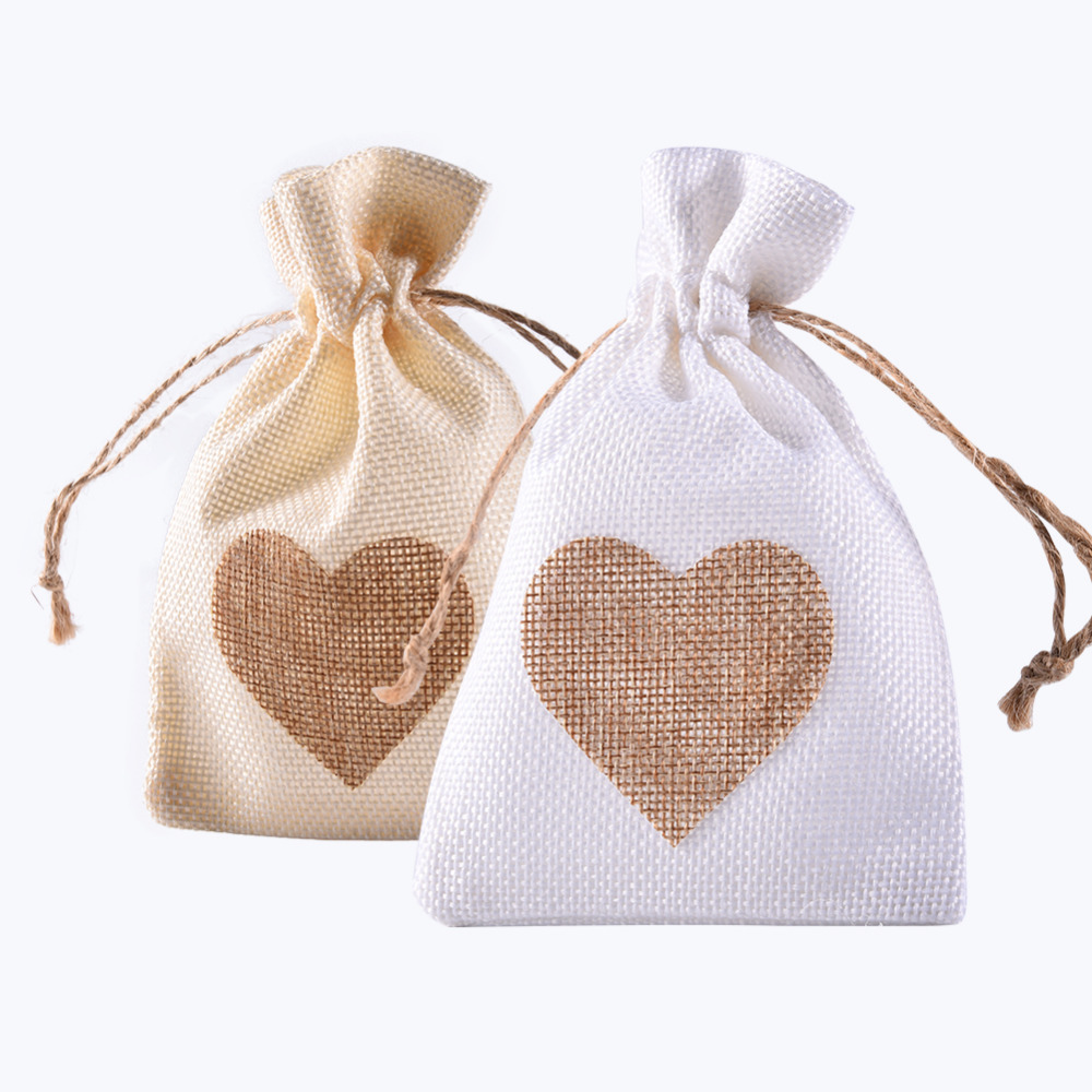 12Pcs/Set Heart-Shaped Favor Bag Trendy White Linen Drawstring Wedding Gifts Bags Jewelry Bags Candy Bags 10*14cm