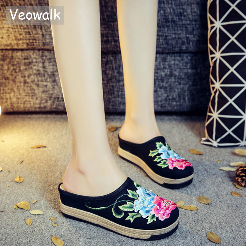 Veowalk Thick Bottom Women Floral Embroidered Canvas Flat Slippers Handmade Summer Bohemian Ladies Linen Espadrilles Shoes mono floral embroidered kimono