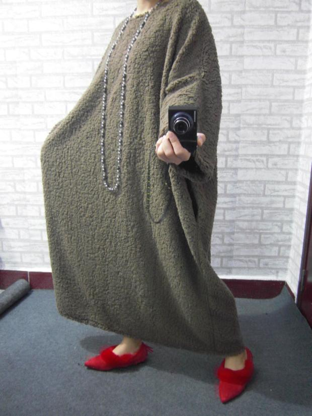 2017 female new spring and autumn urlagre size loose ultra long personality dress berber fleece is