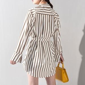 Image 5 - [EAM] 2020 nowa wiosna jesień Lapel długim rękawem wzór w paski drukowane nieregularne koszula w dużym rozmiarze kobiety bluzka moda JQ4900