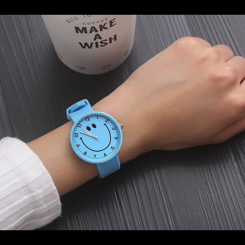 2018 Hot Sale Fashion Cartoon Cute Color Quartz Watches Boys Girl Kids Child Wrist Watch Child Clock Children Gifts Smiley Face