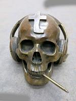 China Brass Copper Carved Beautiful Skull Heads Listen To Music Smoking Statue