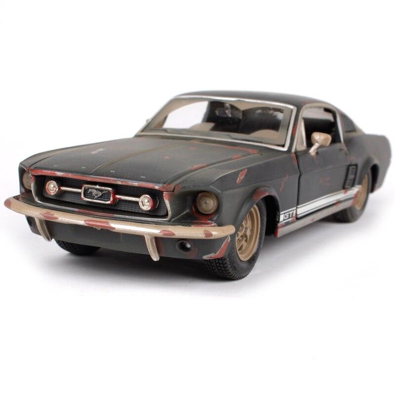 Maisto 1:24 1967 Mustang GT-boue version voiture moulé sous pression 195*75*55 en métal modèle de voiture de jouet vieux automobile collecte version pour hommes 32142