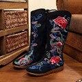 Más el Tamaño 40 Mujeres de La Manera Zapatos, Old Beijing cuñas Pisos flor estilo natinal botas zapatos mujer botas de Tela Bordada