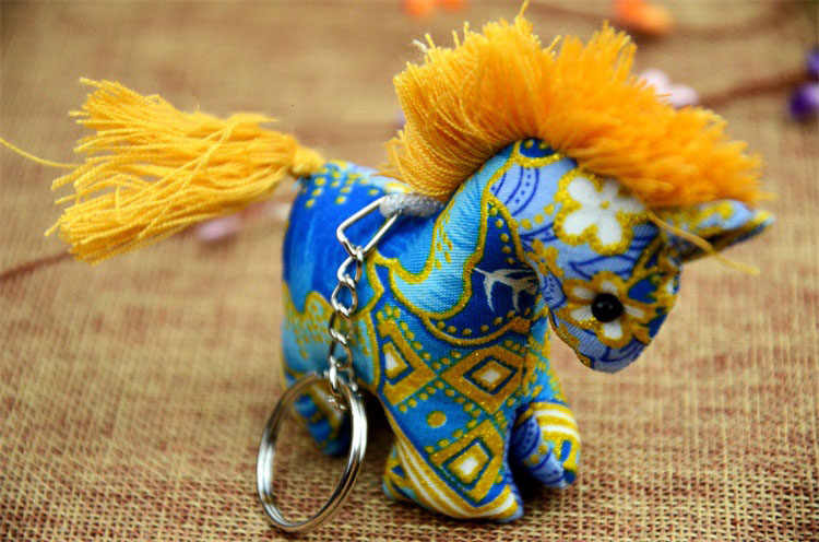 Mulheres chaveiro De Pele de cavalo De Pelúcia novo Animal pom pom De Pelúcia Bohemia estilo chaveiro Charme Saco chave Do Carro Anel de Presente da jóia K1256