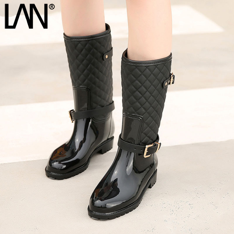 Fashion 2018 Women Mid-calf  Boots Waterproof Rubber Women Rain Boots Casual Ladies Boots Shoes Summer double buckle cross straps mid calf boots