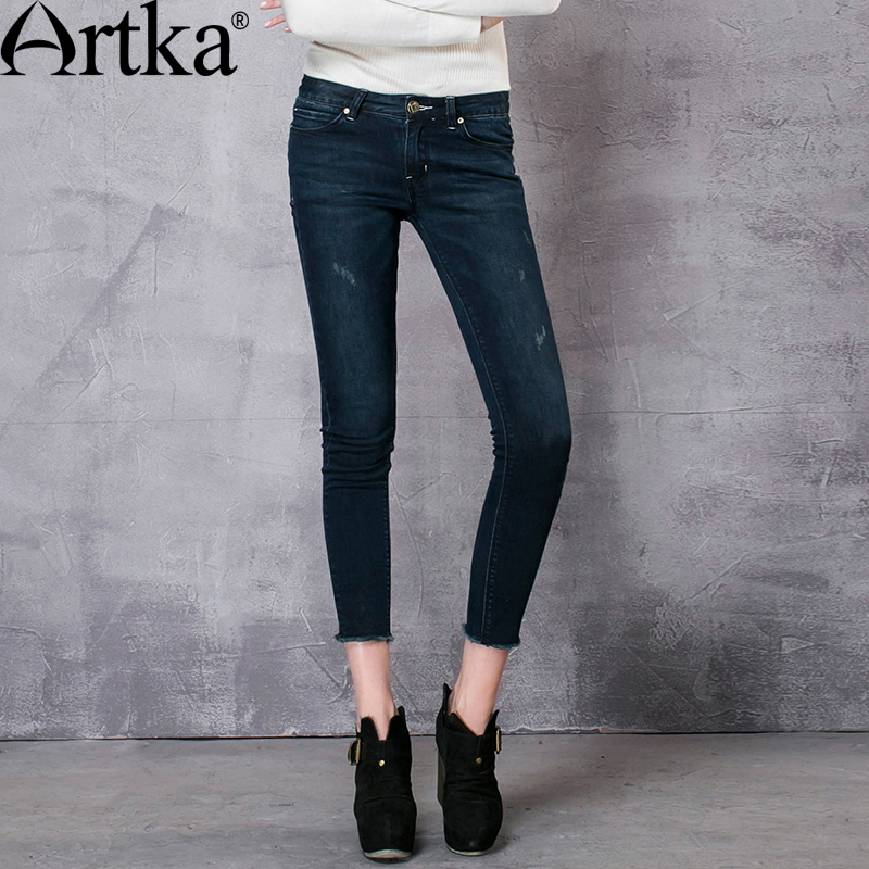 ФОТО Artka Women's Autumn New Slim Fit All-match Jeans Vintage Mid-waist Patch Pocket Comfy Full Length Denim Pencil Pants KN11669Q