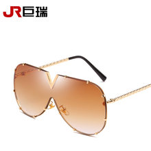 1dde87fb7916a Europeu Americano Marca Designer Homens Mulheres Óculos De Sol de Metal  Grande Quadro Óculos De Sol Para Homens Lente Marrom Gra.