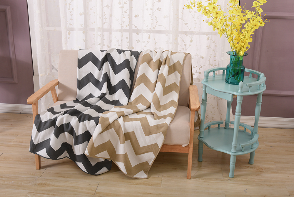 Dark Grey and Yellow Chevron Zigzag Geometric Soft And Warm Faux Imitation Cashmere Sofa Blanket For Living Room Bedspread