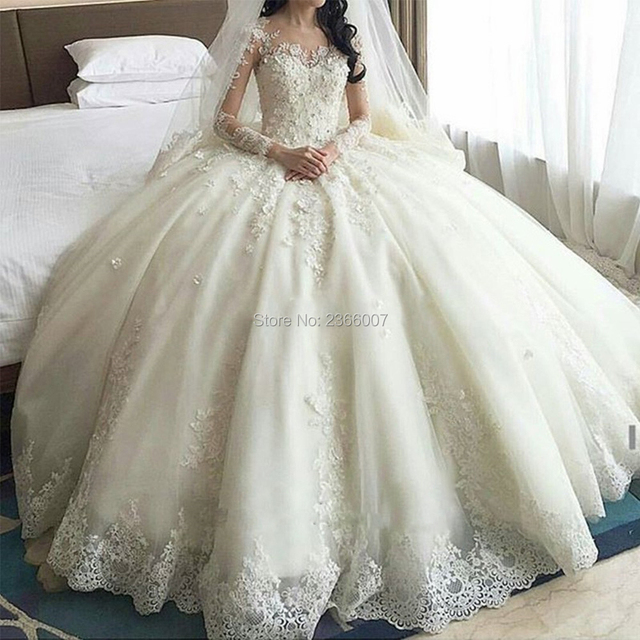 Dubai Crystal Flowers Ball Gown Wedding Dresses 2019 Long Sleeve Muslim Gowns Cathedral Train Lace