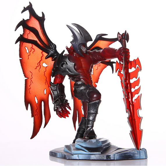 New  hot toys game  pvc action figure the darkin blade aatrox 18cm doll collectible figurines birthday gift juguetes hot penguin ice breaking save the penguin great family toys gifts desktop game fun game who make the penguin fall off lose this game