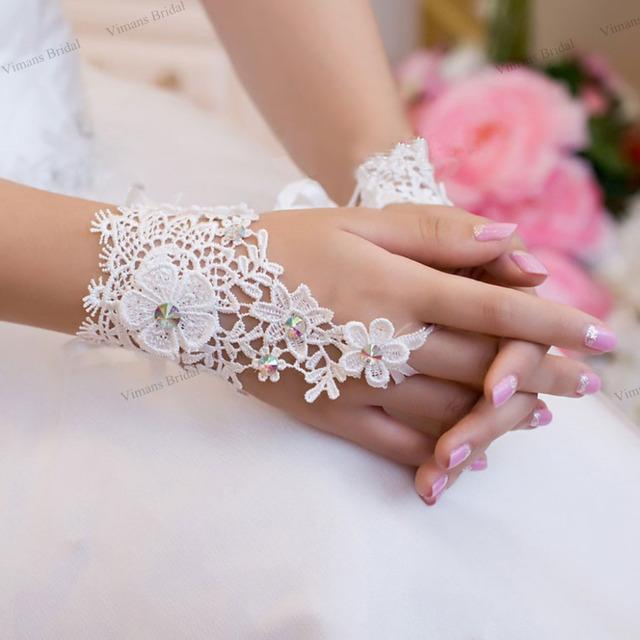 Luvas de noiva Marfim/branco 2016 new Lace flores high-end de luxo pérola luvas de noiva de casamento do diamante acessórios Livre grátis