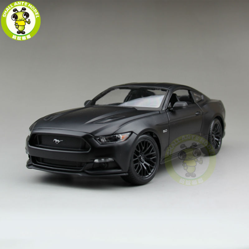 1:18 2015 Ford Mustang GT 5.0 Diecast Car Model For Gifts Collection Hobby Matte Black Maisto